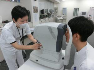 視能訓練士学科1年制 見学実習前実技試験を実施しました!