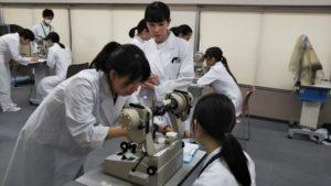 視能訓練士学科1年制 眼球運動検査(視能矯正学)!