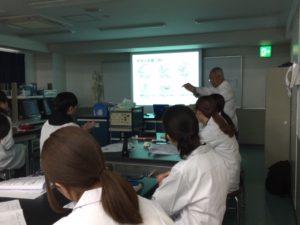 視能訓練士学科3年制 1年生解剖生理授業を行いました!