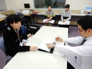 言語聴覚士学科 失語症検査の実技演習