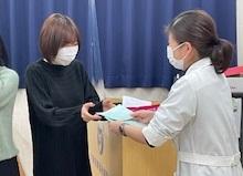 視能訓練士学科1年制 国家試験受験票を手渡しました!