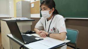 視能訓練士学科1年制 視能検査学Ⅰの遠隔授業の様子