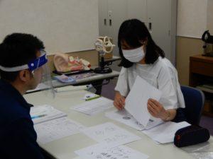 言語聴覚士学科 2年生「スクリーニング検査を学生同士で実施しました!」