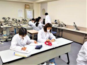 医療総合学科 視能訓練士学科1年制進学コース 『1.2年生 合同実習授業の様子☆彡』