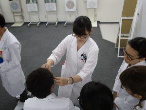 視能訓練士学科3年制 1年生と3年生による合同授業を行いました!